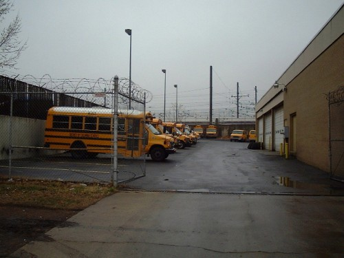 Some of those American school buses you always see in the films, Washington D.C. (2002)